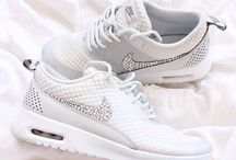Girly Nike trainers  / Trainers