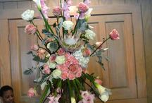 T Villager Designs - Nashville Wedding Florist / If you are a bride to be, then you know that preparing for one of the most important days of your life can be exciting and also stressful. That's why you need people to help and support you who are dependable, trustworthy, and understand your needs. And when it comes to floral arrangements, the professionals at T Villager Designs listen carefully to your vision, goals and needs.  Contact them: (615) 390-5902