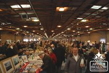 Sunday Antiques Market / We have now launched a fantastic new Sunday Antiques Market located in the Exhibition Hall at Lincoln Showground.  The market is brimming with a wonderful variety of quality antiques and collectables to tempt you.  So, whether you fancy a leisurely browse for 'one of a kind' finds or you have a shop to restock, a trip to our Sunday Antiques Market will be a successful outing for you.