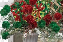 Christmas Centerpieces / Collection of beautiful centerpieces and many with products to create yourself. Visit http://www.trendytree.com