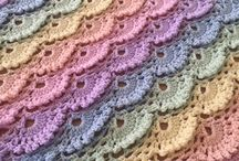 Baby Crochet / Crochet yourself a beautiful cot blanket for your nursery or the perfect gift for a baby shower.