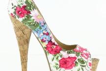 <3 Shoes <3 / by Lauren Geske