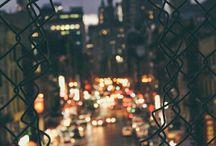 Ночь, шёпот, сонный город / Ночь... Шепот... Сонный город... Окна настежь... Лунный обломок... Дым... Кофе... Горечь в горле... Любовь... Тоска... Сердце с кровью... Звонки... Слезы... Шипы... Розы... Песок... Часы... Мечты... Звезды... Земля... Воздух... Люди... Вечность... Я... Ты... И знак бесконечность...  Пара Нормальных.