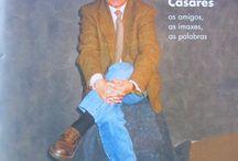 Carlos Casares na Biblioteca de Filoloxía da UDC / Dedicamos este tablero ao escritor Carlos Casares, a quen se lle dedica o Día das Letras Galegas en 2017. Atoparedes obras escritas, prologadas ou traducidas por él e ensaios dedicados á súa figura e produción literaria