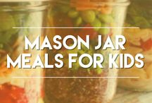 Mason Jar Meals / Try these easy mason jar meals for kids! A healthy, fun option for families on-the-go! What ingredients do you love that make your mason jar recipe unique?