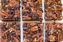 Brownies / delicious scrumptious gooey chocolatey brownies