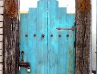 Gates / Entry