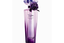 Perfume: with Raspberry notes / Perfumes with raspberry notes / by Victoria Callas