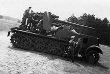 8,8 cm FlaK 18 (Sfl.) auf Zugkraftwagen 12t (Sd.Kfz. 8)