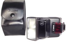 Canon Speedlite 300EZ Shoe Mount Flash w/ Genuine case