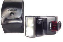 Canon Speedlite 300EZ Shoe Mount Flash w/ Genuine case