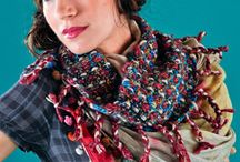 Crochet Scarf & Cowl Patterns / Stay nice and warm with these crochet scarf and cowl patterns!