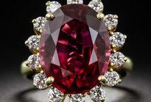 Small diamond round ring