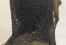 Románské zbroje / Nalezené fragmenty zbrojí / Fragments of romanesque armour