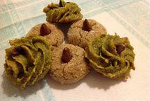 Amaretti sardi e pasta di pistacchi