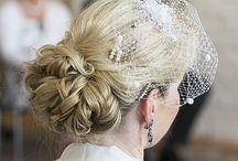 Brautstyling / Ich biete Ihnen ein individuelles Styling für Ihren großen Tag an. Ohne zusätzliche Friseur- oder Kosmetiktermine können sie sich ganz entspannt in meine Hände begeben und sich bei Ihnen zu Hause passend zu Ihrem Brautkleid und Ihrem Typ stylen lassen.
