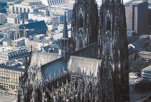 Kostely, kláštery, zámky a hrady
