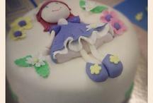 Tartas fondant y cupcakes / Tartas para todos los gustos y momentos especiales. / by Ana Lopez Lopez