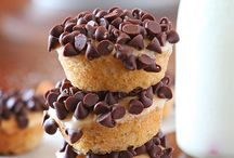 Dessert - Donuts / by Meghan Spegal