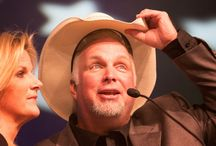 We Love Garth Brooks / Updates, tours, videos, and more