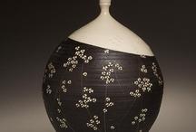 pottery/ceramics / by Michiko Yamamoto