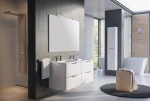 AMBIO - Kolekcja Mebli Łazienkowych / AMBIO charakteryzuje połączenie najnowocześniejszych trendów oraz precyzyjność wykonania. Jednolite bryły mebli bez zbędnych ozdobników wraz z delikatnie zaokrąglonymi frontami nadają tej kolekcji nowoczesny i elegancki wygląd.
