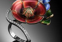 Обручки / Весільні обручки. Ювелірні прикраси та діаманти. Вироби з золота та срібла. Біжутерія.