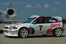 Rajdy / Zdjęcia różnych modeli Toyoty Corolli z tras rajdów samochodowych na całym świecie, w tym z mistrzostw świata WRC.