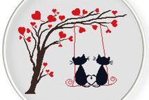 Koty na drzewie