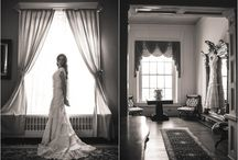 Bleak House Knoxville / Bleak House Knoxville wedding photos, bridal portraits, and wedding venue pictures in TN. Historic Knoxville wedding venue photography and bride and groom photos at The Bleak House.