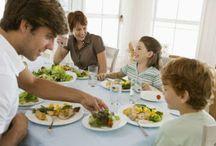 Το οικογενειακό φαγητό στο τραπέζι είναι καθοριστικό για την υγεία ενός παιδιού