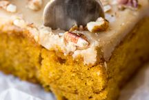 Fall Cake Recipes / Easy Autumn recipes for you to bake at home, featuring all your favourite flavours like cinnamon, brown sugar, pumpkin spice, cream cheese frosting, apple and more! Prepare to fall in love with Fall!