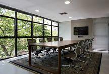 Escritório/ Office / Projetos de escritórios por Kali Arquitetura.
