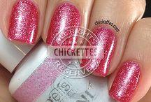 gel nails / by Candi Daitch