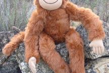 'Marron' the Ecohuggy Monkey