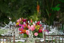 ARTFLOWER: CENTERPIECES / A wide variety of designs, style, sizes, flowers and vases to beautifully decorate your event. Get inspired!