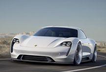 Porsche Mission E / Porsche Mission E concept (prototipo a propulsione elettrica, 600 CV, da 0 a 100 km/h in 3.5 secondi, 500 chilometri di autonomia e ricarica dell'80% delle batterie in soli 15 minuti)