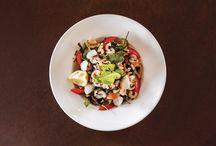 Insalatone / I salatone con ingredienti di stagione.  http://www.rabaristorazione.it/lagodigarda/insalatone.html