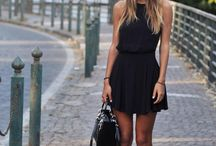 black chic outfit.