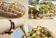 Food / Cheesy Bread
