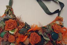 оранжевые розы колье