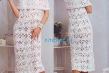Вязаное платье с узорами