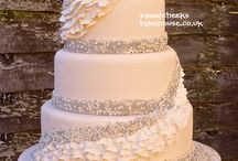 Wedding Cakes / by Sarah Gwillim
