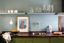 Oliv + ljusblått kök