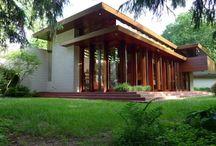 Moderneja taloja / Kivan näkösiä plänejä