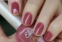 Colorindo as unhas, colorindo a vida
