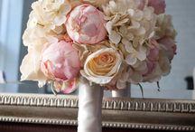 Wedding Flower ideas  / by Veronica Sturm (Celeste)