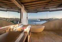 Wonderful private villa bathrooms on Nusa Lembongan / Fabulous private rental villa bathrooms on Nusa Lembongan