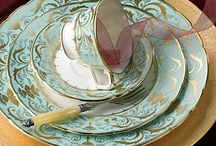 COLLECTIONS | dishes / by Joanne D'Amico