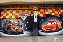taller cars / Mural en puerta metálica para taller de coches, echo con spray y aerógrafo, más trabajos en: www.murea.es